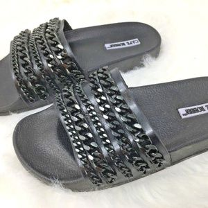 Cape Robbin Black Chains Slides MOIRA-18